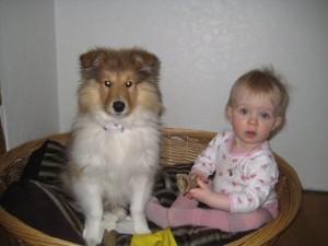 Bonnie 4mnd og Elly Amanda 13mnd